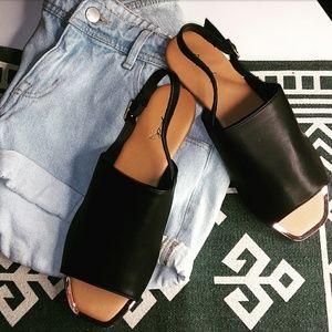 🆕Black vegan leather sandal